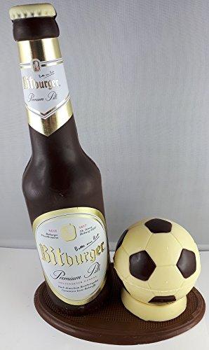 04#022621 Schokolade, Bierflasche, in ORIGINAL Größe, mit Fussball, Bitburger Bier, Bierflasche